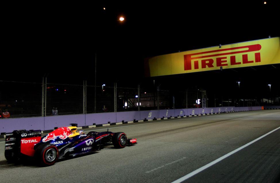 Vettel en los Libres 2 ©Pirelli