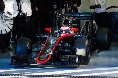 Vettel, marca el ritmo en el segundo día de test de pretemporada en Jerez